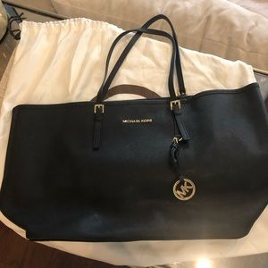 Damaged Authentic Michael Kors Large Jet Set Tote
